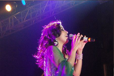 Sunidhi Chauhan live Concert in Indore
