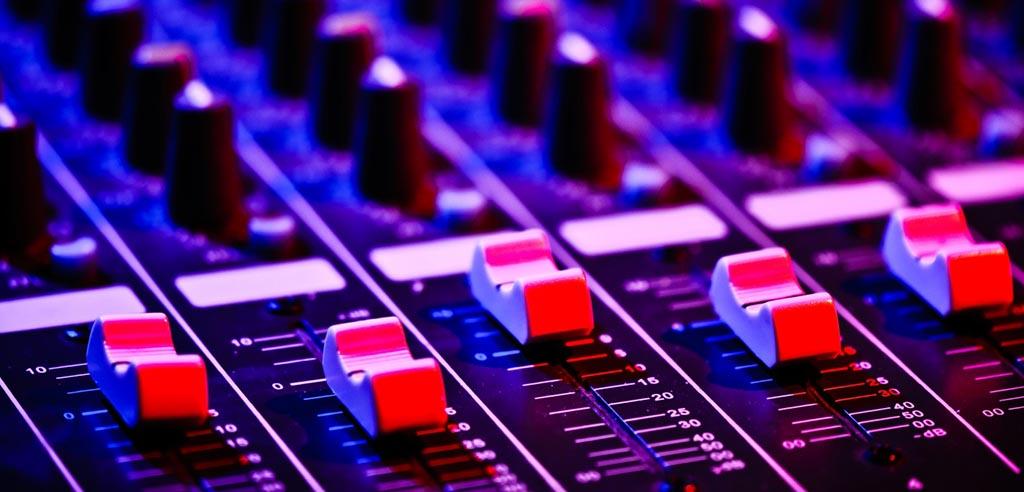 DJ mixer, audio mixer, sound mixer, dj music mixer, yamaha mixer